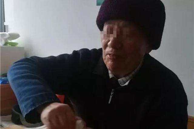 盖子钳子也拧不开 杭84岁大伯和一只药瓶较量一上午