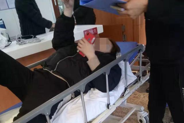 20多岁女子在杭州1酒店洗澡时生下婴儿 孩子不幸夭折