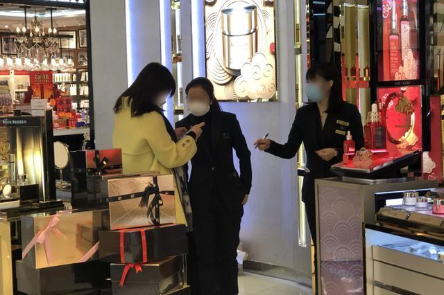 杭州大厦昨天正式开门营业 5小时营业额1100万