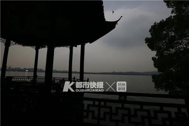 萧山下冰雹了 杭州气象台发布一连串预警信号