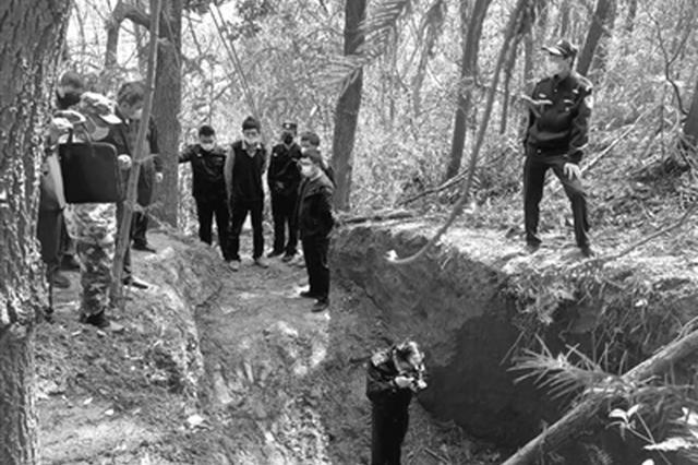 浙江1山村上演盗墓笔记 几个盗墓贼潜入一座西晋大墓