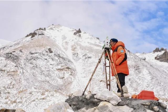 登顶珠峰有多难 听亲历过浙江人讲那些生死一发的故事