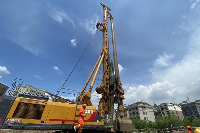 全省首条穿城高速来了 义东高速东阳城区首桩开钻动工