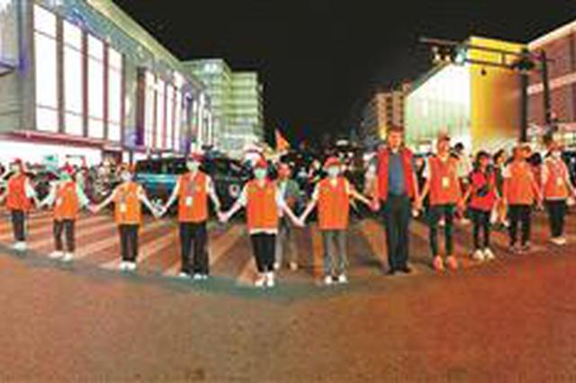 国庆长假杭州逾八万人次志愿者服务市民游客(图)