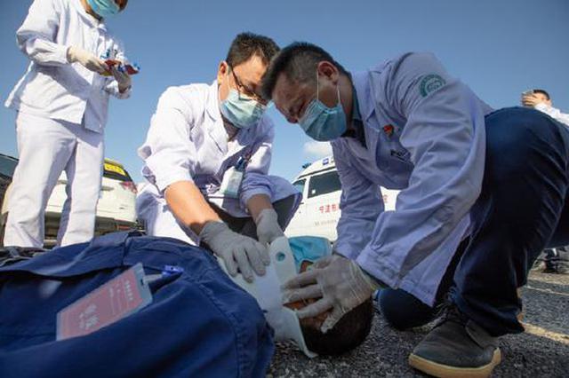 海曙第二医院大型创伤应急演练 现场秩序井然