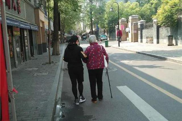 杭州一老小区7000人中有26个失智老人 他们怎么养老