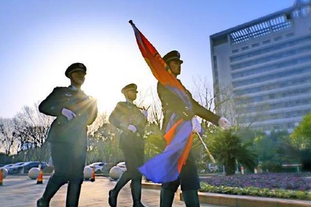 宁波市公安局举行升警旗仪式 庆祝首个中国人民警察节