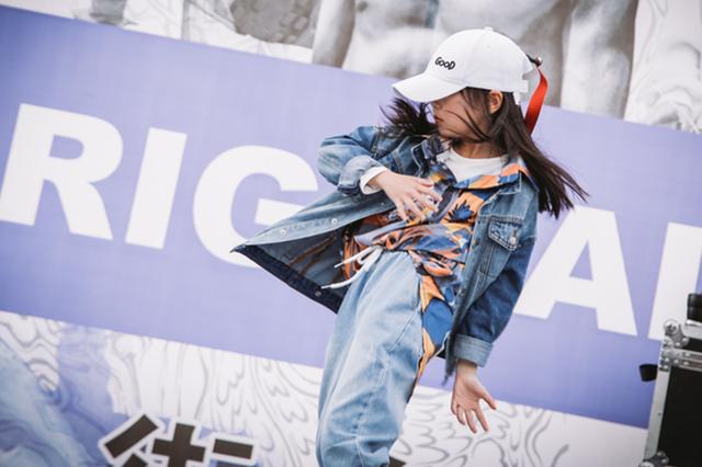 浙江6岁女孩又拿下一个冠军 霹雳舞为何能入亚入奥