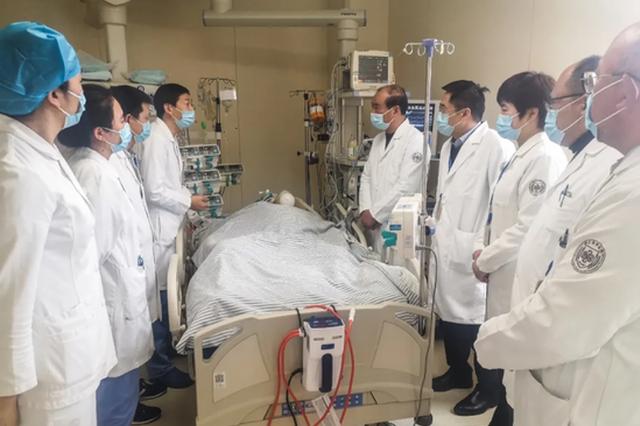 浙江一高三学生跑步时晕倒 抢救了14天才救回来