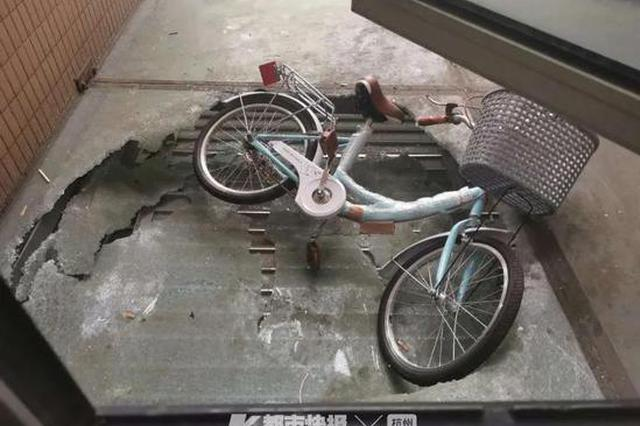 台州男子从10楼扔下一辆自行车 酒醒发现闯下大祸