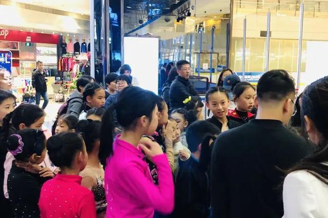 杭州一群孩子凌晨两点还在考试 这项运动有点小众