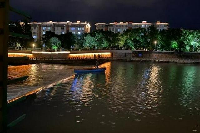 奉化河道清污男子被困急流 多部门架绳桥紧急救援