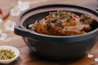 杭州龙井茶香鸡:清香又嫩滑