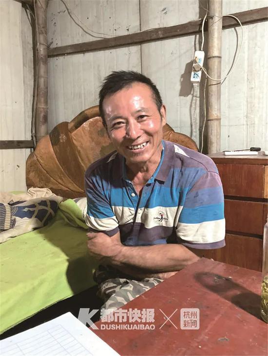 58岁大叔在杭自学考证 种藕20年种出三套房三辆车