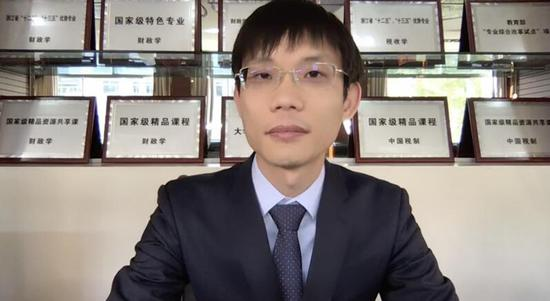 图:童光辉副教授主持分享会