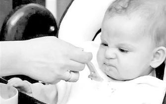 两岁前宝宝重在科学喂养