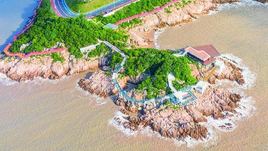松兰山最美海岸线容华焕发 为迎接22年亚运会做准备