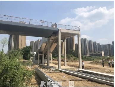 青山湖科技城站工地