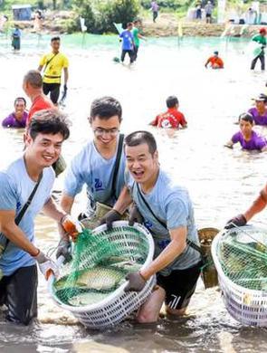 三门湾畔崛起多彩渔家傲