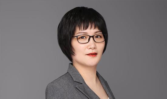 董 霞: 杭州青少年活动中心文学部部长