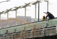 杭州运河撒网捕鱼好惊险