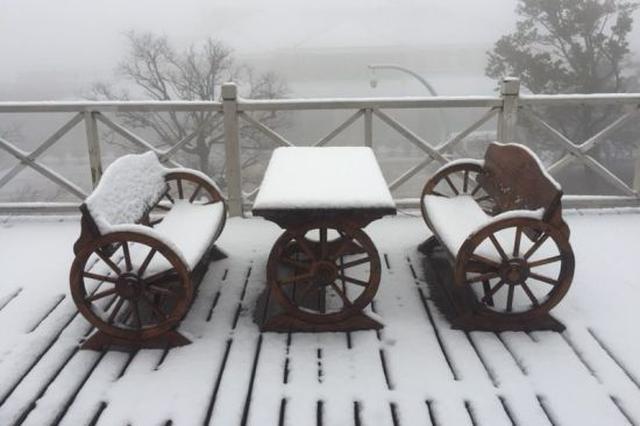 浙江安吉今冬的第一场大雪 银装素裹分外妖娆