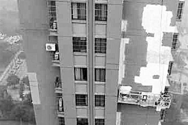 杭州1小区升降梯死机 蜘蛛人被困16层外墙