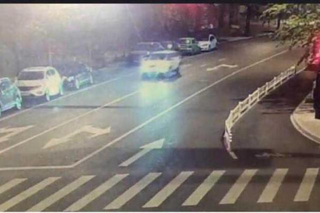 杭州三辆豪车半夜被人开走 窃贼原来是停车场管理员