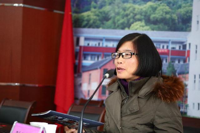 省人大代表陆亚芳:企业是建设服务型政府的直接受益者