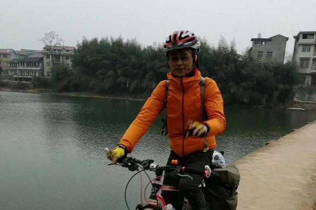 杭州90后厨师9天骑行1472公里回家过年 网友:超牛