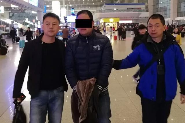 浙1男子家中400斤保险箱丢失 内有黄金以及46万现金