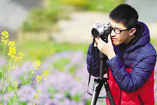 杭州高三男生被剑桥大学预录取 春节出游带了半箱书