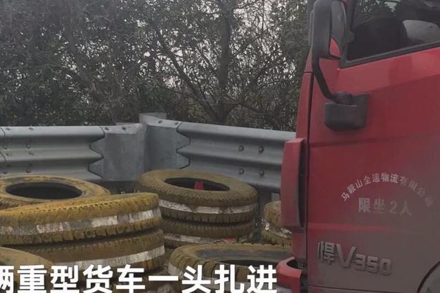宁波高速1货车刹车失灵 老司机反应神速交警夸赞