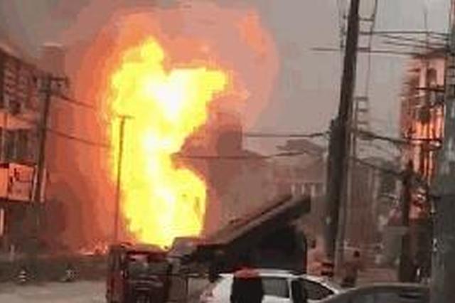 湖州1天然气管道被施工队挖断 引发火情幸无人员伤亡