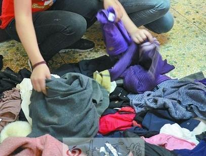 嘉兴40岁女子偷284件衣服 只为挂进自家衣柜里看着
