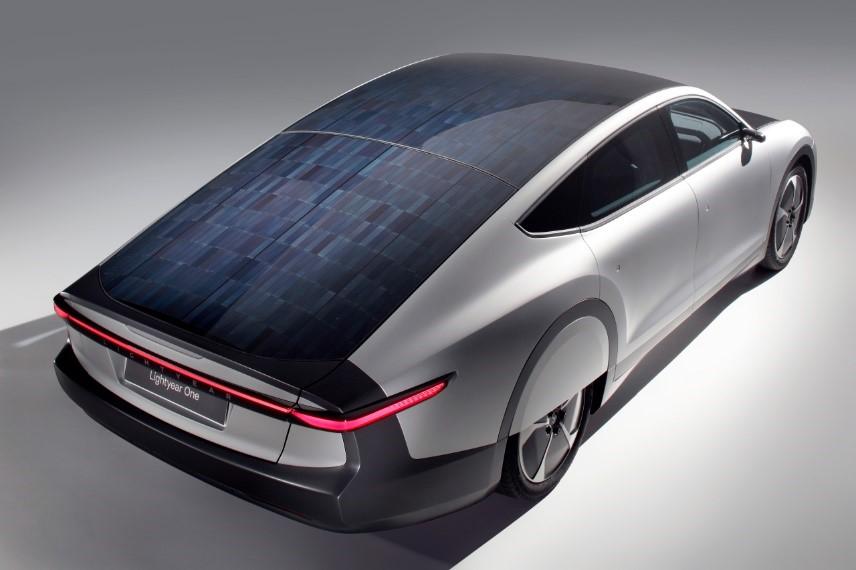 全球首款长续航太阳能电动车Lightyear One
