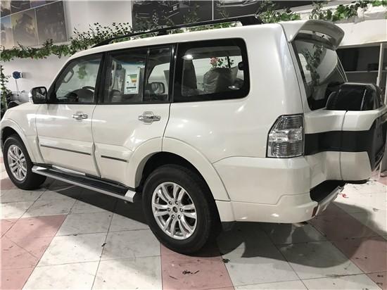 19款三菱帕杰羅V97天津港現車報價