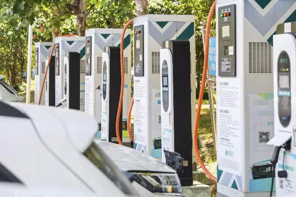 充电桩别再成为新能源车主的痛