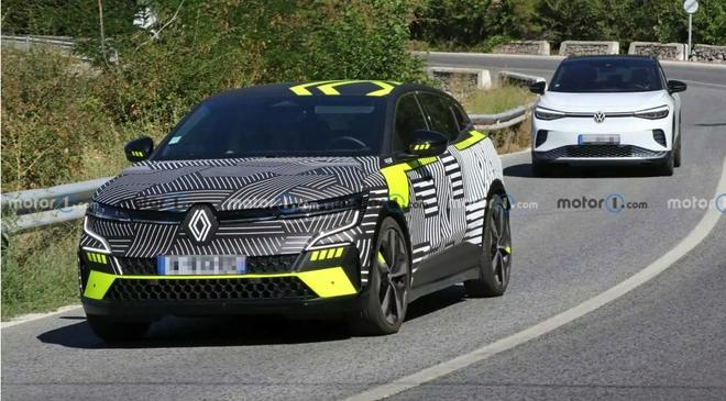 2022款雷诺梅甘娜电动跨界车最新谍照曝光