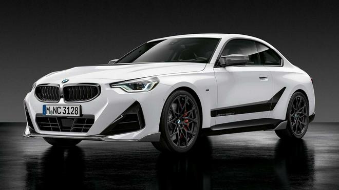 宝马宣布搭载全M机能零件的2系轿跑车型,表里饰进级后更倾向于本性化
