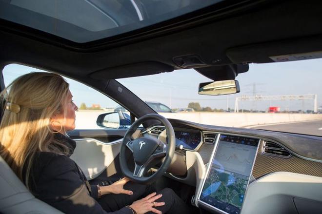 消費者安全組織要求調查特斯拉自動駕駛技術 稱涉嫌欺騙導致多起傷亡事故