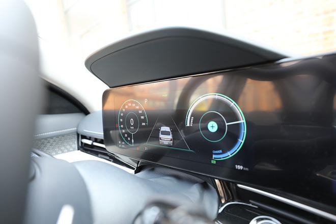 实拍名图纯电 向合资纯电B级轿车发力