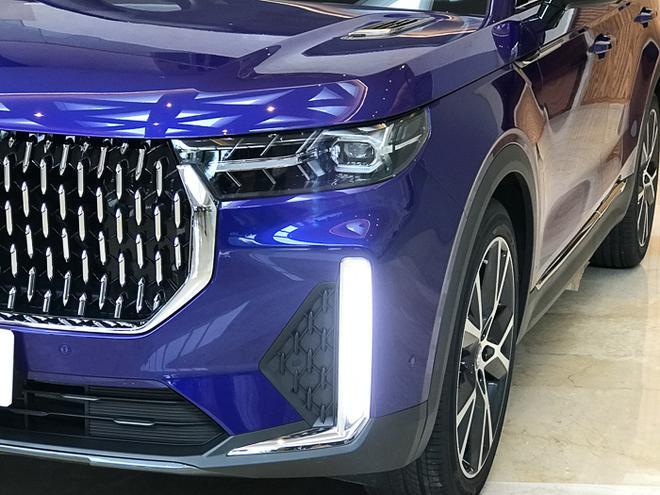 一汽奔騰T99上市 售價14.99-18.99萬元