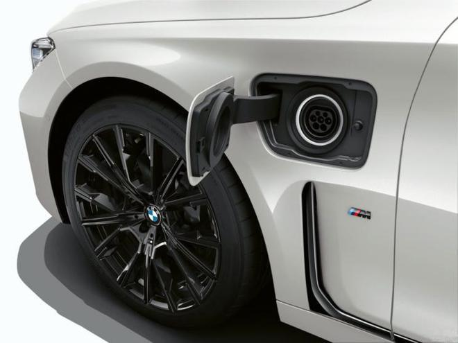 寶馬7系將推出純電版車型 或最終命名i7
