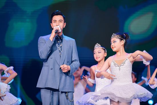 劉愷威演唱《圓夢》