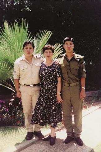 沙拉与两个儿子