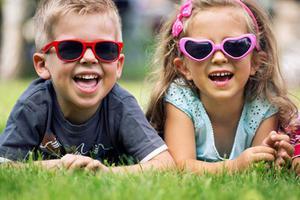 妈妈?#20146;?#24847;了!不是所有孩子都可戴太阳镜
