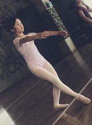 吴尊晒neinei芭蕾照