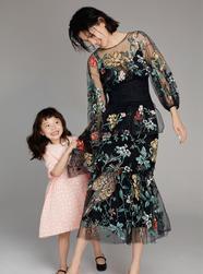 李丹妮带女儿多多登杂志封面