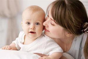 宝宝出现口臭时,需要怎样护理?